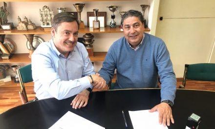 CD LARRAINA RENUEVA EL CONTRATO CON WATERPOLO NAVARRA